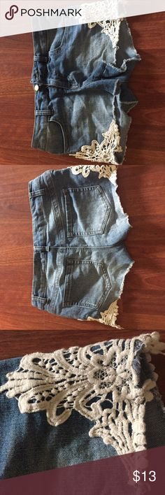 Denim mini shorts with ivory lace Great condition, lace on sides Tinseltown Shorts