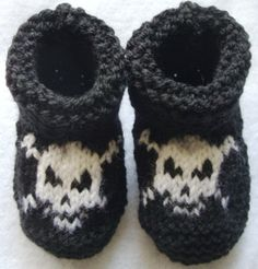 Baby Pirate HAND KNITTED booties  1218 months  by BabyBoucyFeet, $12.99