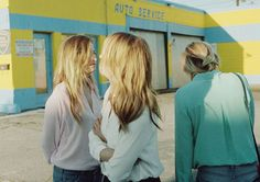 & Other Stories | On a sunny day in LA, we captured Clare's co-lab in a story featuring the Gummer Sisters.