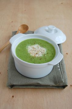 Pea soup / Sopa de ervilha by Patricia Scarpin, via Flickr