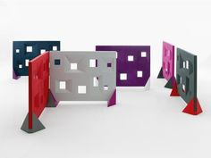 Des: Module used as a room divider. Made by rotational molding, suitable for indoor and outdoor use. Size: 150 x 200 x 8 Colour: Available in 5 colours
