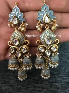 Silver Ring With Emerald Stone Referral: 2178175762 Indian Jewelry Earrings, Indian Jewelry Sets, Silver Jewellery Indian, Jewelry Design Earrings, Indian Wedding Jewelry, Silver Jewelry, Silver Ring, Antique Jewellery Designs, Fancy Jewellery