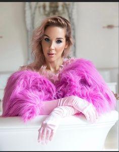 Lil masti Fur Coat, Instagram, Fashion, Moda, Fashion Styles, Fur Coats, Fashion Illustrations, Fashion Models