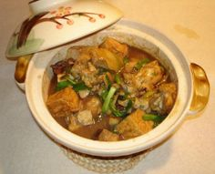 Clay pot cooking....so good, this recipe has with pork and oysters. I like chicken, shrimp, and tofu with vegies.....