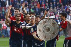 Bundesliga   Bayern Munich confirmó su reinado con cinco fechas de anticipación  Foto: WEB  El elenco bávaro confirmó hoy su reinado en la Bundesliga alemana al golear como visitante al Augsburgo por 4 a 1 y coronar su sexto título consecutivo con cinco fechas de anticipación al final de la temporada.  El equipo de Baviera cerró una semana perfecta que había comenzado con la victoria sobre Sevilla (2-1) en España en la ida de cuartos de final de la Liga de Campeones de Europa cuyo boleto a…