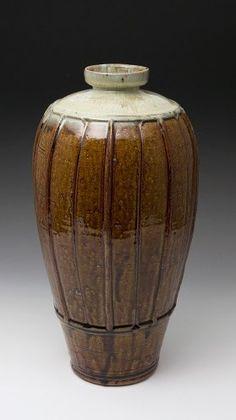 Mike Dodd (British: 1943) - Ribbed Vase (2015)