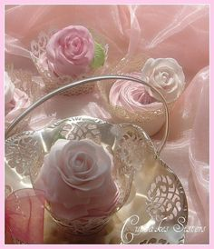 ♥ pretty in pink  cupcakes♥