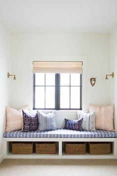 60 best window seat design ideas all interior & furniture де Home Design, Interior Design, Design Ideas, Esstisch Design, Window Benches, Window Seats With Storage, Window Seat Storage Bench, Bedroom Windows, Window Seats Bedroom