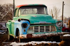 photo by Steve G. I would love this truck back to life. Chevy Pickup Trucks, Gm Trucks, Chevy Pickups, Cool Trucks, Custom Pickup Trucks, Vintage Pickup Trucks, 1955 Chevy, 1955 Chevrolet, Abandoned Cars