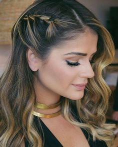 cute little mini side braid to set off a gorgeous color Curled Hairstyles, Braided Hairstyles, Wedding Hairstyles, Bridesmaid Hair, Prom Hair, Medium Hair Styles, Short Hair Styles, Swept Back Hair, Braids For Long Hair