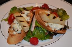 Grilled {Gluten-Free} Crostini with Goat Cheese and Pears over Mixed Greens with Raspberry-Champagne Vinaigrette. @Scharglutenfree Baguettes