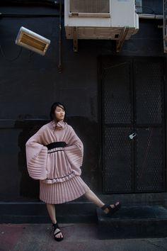 Diletta Cancellato tells us all about her knitwear brand Knitwear Fashion, Knit Fashion, Fashion Art, Editorial Fashion, High Fashion, Serge Gainsbourg, Knit Art, Oriental Fashion, Knitting Designs