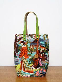 sac sauvage 169-r-w Purses And Handbags, Tote Handbags, Ropa Shabby Chic, Pochette Diy, Tapestry Bag, Best Bags, Fabric Bags, Handmade Bags, Backpack Bags
