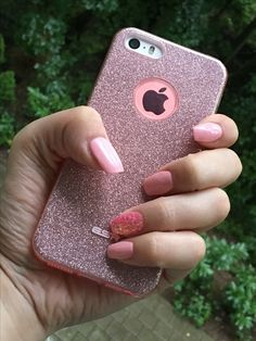 Cover case and gel nail rose with glitter