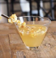 Top 10 Movie Time Drinks Made With Popcorn Vodka Recipes, Alcohol Recipes, Wine Recipes, Refreshing Cocktails, Summer Drinks, Fall Drinks, Cocktail Desserts, Cocktail Recipes, Salted Caramel Vodka