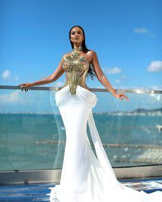 "11k aprecieri, 134 comentarii - L e n a B e r i s h a (@lenaberishaofficial) pe Instagram: ""Lena Berisha ""Prestige"""" Oscar Dresses, Gala Dresses, Event Dresses, Couture Dresses, Formal Dresses, Pretty Dresses, Sexy Dresses, Beautiful Dresses, Fashion Dresses"