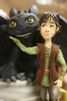 How to Train Your Dragon Cake - Hiccup Dragon Birthday, Dragon Party, How To Train Dragon, How To Train Your, Zoe Cake, Toothless Cake, Cake Story, Movie Cakes, Dragon Cakes