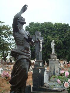 cemitério municipal Lupércio de Abreu Isique @ Pindorama - SP - Brasil