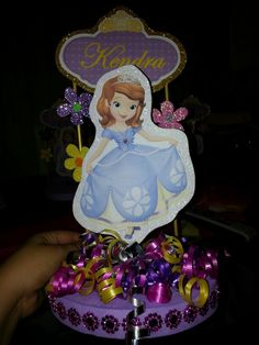 Sofia the first centerpiece Pink And Gold Birthday Party, Birthday Party Themes, Birthday Ideas, Girl Baptism Centerpieces, Princess Sofia Birthday, First Communion Invitations, Bday Girl, Sofia The First, Holidays And Events