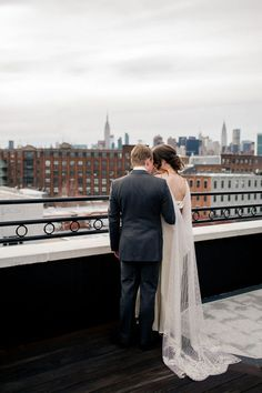 Offer your guests inspiring views of Brooklyn and Manhattan with these rooftop wedding venues Brooklyn couples are digging. Rooftop Wedding, Wedding Venues, Advertise Your Business, Popular Pins, Brooklyn, Best Gifts, Awesome Gifts, Couples, Wedding Dresses
