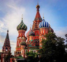 """Polubienia: 31, komentarze: 1 – Hasające Zające (@hasajacezajace) na Instagramie: """"#hasajacezajace  #moscow  #russia  #iloverussia  #gettingbackhome  #redsquare  #stbasilcathedral…"""""""