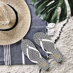 my kind of sweet | flat lay | summer essentials | straw hat | tory burch (affiliated)