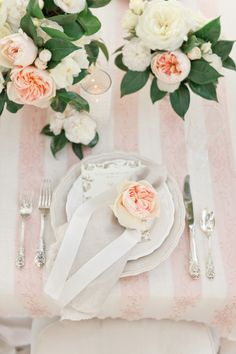 Pretty peach rose place setting