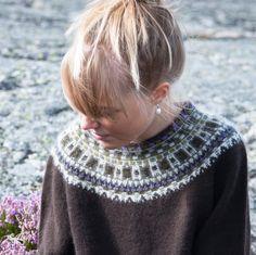 """Allvaret"" jumper. Foto Karin Björk"