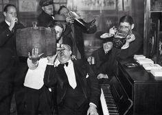 Celebrando el fin de la prohibición, 1933.