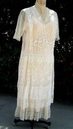 Réduit de 1914 / 1918 dentelle / brodé Net Wedding Gown/Slip Original taille 10 point # 189 vêtements de mariage