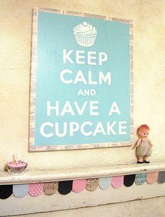 eat cupcakes!