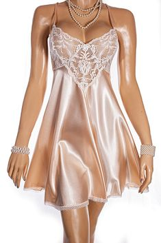 Photos by little old me, stunning nightie by the lovely Lynne Kent x Satin Lingerie, Lingerie Outfits, Pretty Lingerie, Bridal Lingerie, Vintage Lingerie, Night Wear Dress, Night Gown, Party Dresses For Women, Casual Dresses For Women