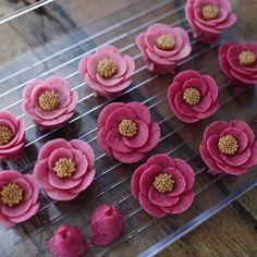 Maison Olivia #ricecake #whitebeanpast #whitebeanpasteflower #koreaflowercake #korearicecake #flowercake