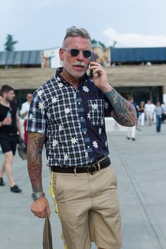 Nickelson Wooster in patchworked checks at cc WGSN street shot Pitti Uomo spring/summer 2014 Nick Wooster, Top Street Style, Tumblr Fashion, Men's Fashion, Going Out Shirts, Most Stylish Men, Sartorialist, Best Mens Fashion, Well Dressed Men