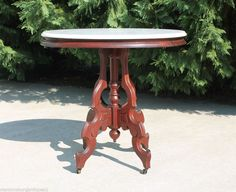 Lovely Oval Marble Top Victorian Walnut Parlor Lamp Side Table Circa 1875
