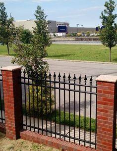 Fence Wall Design, Window Grill Design, House Gate Design, Door Design, Exterior Design, Metal Garden Fencing, Garden Gates, Wrought Iron Driveway Gates, Gate Designs Modern