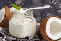Yogurt is one of the greatest healthy snacks that you can enjoy as from childhood to adulthood. With tons of different. Whipped Cream Ingredients, Vegan Whipped Cream, Sweet Desserts, Vegan Desserts, Calories, Diy Food, Coco, Healthy Snacks, Easy Meals