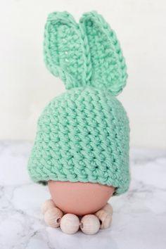 épinglé par ❃❀CM❁✿⊱Hasen Egg warmer crochet for Easter with video tutorial for beginners Source by a Knitting Patterns Free Dog, Free Baby Blanket Patterns, Crochet Patterns Amigurumi, Easter Crochet, Crochet Bunny, Crochet Hats, Mesh Ribbon Wreaths, Mesh Wreath Tutorial, Knitted Hats Kids