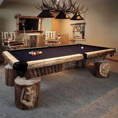 Love this country pool table! It's a hunters dream.