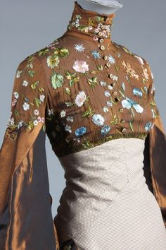 Buy online, view images and see past prices for An Alexander McQueen for Givenchy couture. Invaluable is the world& largest marketplace for art, antiques, and collectibles. Beautiful Outfits, Cool Outfits, Fashion Outfits, Alexander Mcqueen, Vintage Outfits, Vintage Fashion, Fashion Details, Fashion Design, Lesage