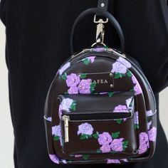 Pinterest: rebelxo7 Cute Mini Backpacks, Stylish Backpacks, Cute Purses, Purses And Bags, Grafea Backpack, Fashion Bags, Fashion Backpack, Back Bag, Girls Bags
