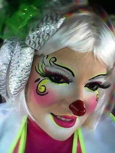 Circus Makeup, Clown Makeup, Costume Makeup, Halloween Makeup, Halloween Face, Face Painting Designs, Body Painting, Clown Face Paint, Female Clown