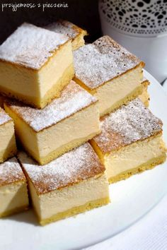 Sernik puszysty=Fluffy cheesecake-looking for an English translation. Polish Desserts, Polish Recipes, Polish Food, Fluffy Cheesecake, Cake Recipes, Dessert Recipes, German Cake, How Sweet Eats, No Bake Cake