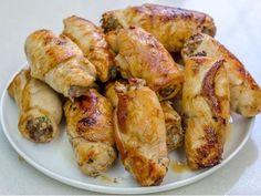 Vepřové plátky plněné žampiony - Prostřeno.cz Chicken Wings, Shrimp, Easy Meals, Meat, Recipes, Food, Essen, Quick Easy Meals, Eten