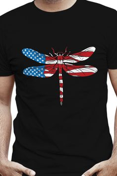 Casual 4th of July dragonfly artwork featuring a beautiful fairy-like flying insect colored in your favorite US flag stars and stripes. That is the true American Dream of Flying! Perfect gift for passionate American dragonfly lovers to wear it proudly on Independence Day July 4th. American Dreams, American Flag, Dragonfly Drawing, Independence Day July 4, Beautiful Fairies, Branded T Shirts, 4th Of July, Fashion Brands, Fairy
