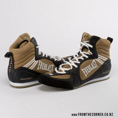 Custom-made Everlast boxing shoes UFC champion Ronda Rousey. Everlast Boxing Gloves, Boxing Boots, Martial Arts Clothing, Cycling Backpack, Bicycle Bag, Mma, Cycling Gloves, Gym Gear, Ronda Rousey