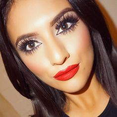 neutrals cat eye makeup,Red lips