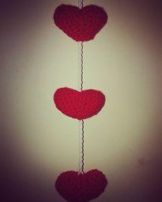 Guirnalda de corazones #tejiendoamor #sandiacrochet #corazones #heart #love