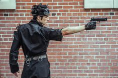 Photography by Z Nation writer Daniel Schaefer of Outlier Imagery (x) Action Pose Reference, Human Poses Reference, Pose Reference Photo, Figure Drawing Reference, Anatomy Reference, Action Posen, Poses Modelo, Carmen Sandiego, Fighting Poses