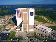 Buy your tickets to Kennedy Space Center Visitor Complex online. Don't miss seeing Space Shuttle Atlantis or meeting a veteran NASA astronaut! Miami Beach, Centre Spatial, Exposition Interactive, Florida Dolphins, Vols Longs, Nasa Space Center, Kennedy Space Center Florida, Places Around The World, Around The Worlds